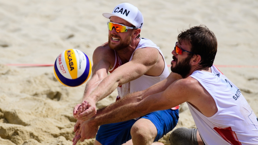 Canadians move closer to the medals at beach volleyball world championships