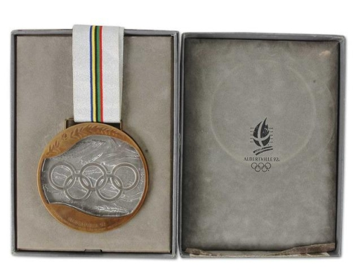 Men's ice hockey bronze medal from Albertville 1992 (Photo: Hockeygods.com)