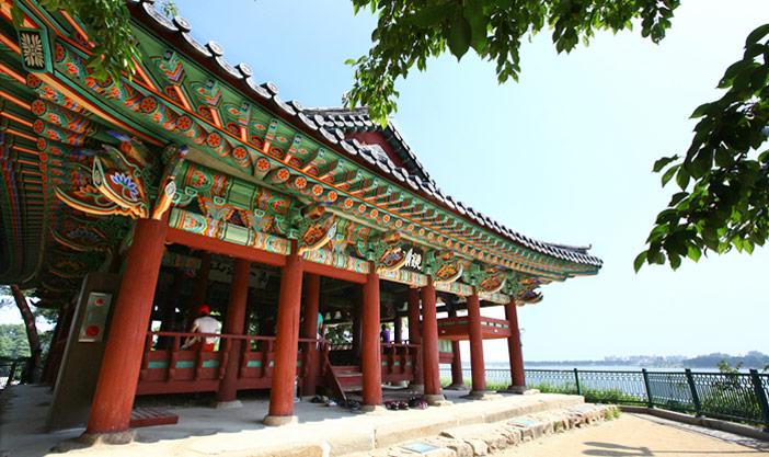 Team Canada - Korea 101 Tourism Gyeongpodae Pavillion