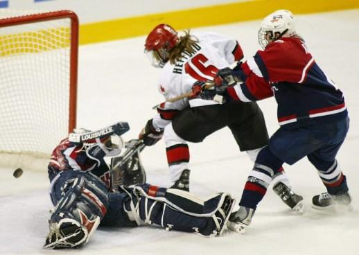 Hefford scores against Team USA