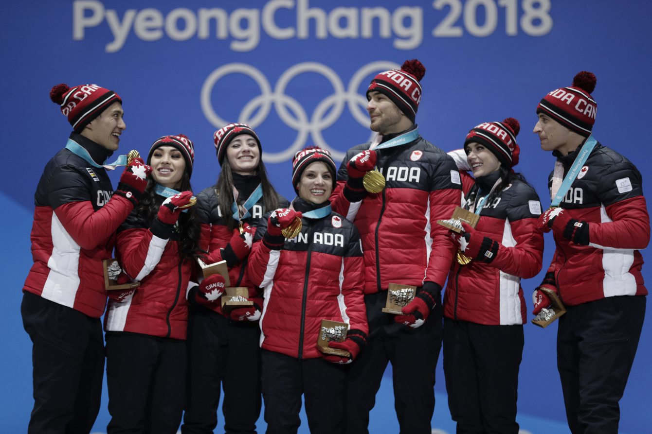 Team Canada Figure Skating PyeongChang 2018 team medal ceremony