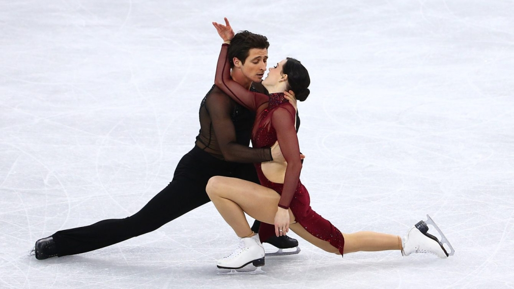 Virtue and Moir perform Moulin Rouge ice dance