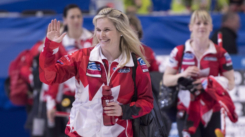 Team Canada locks up first place in round robin at women's curling worlds