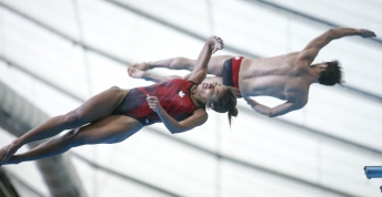 Divers in the air