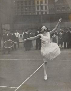 Suzanne Lenglen posing