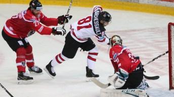 16-of_16_hockey_en