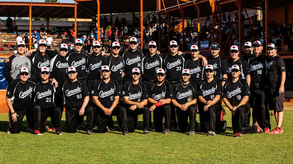Camada men's softball team posing