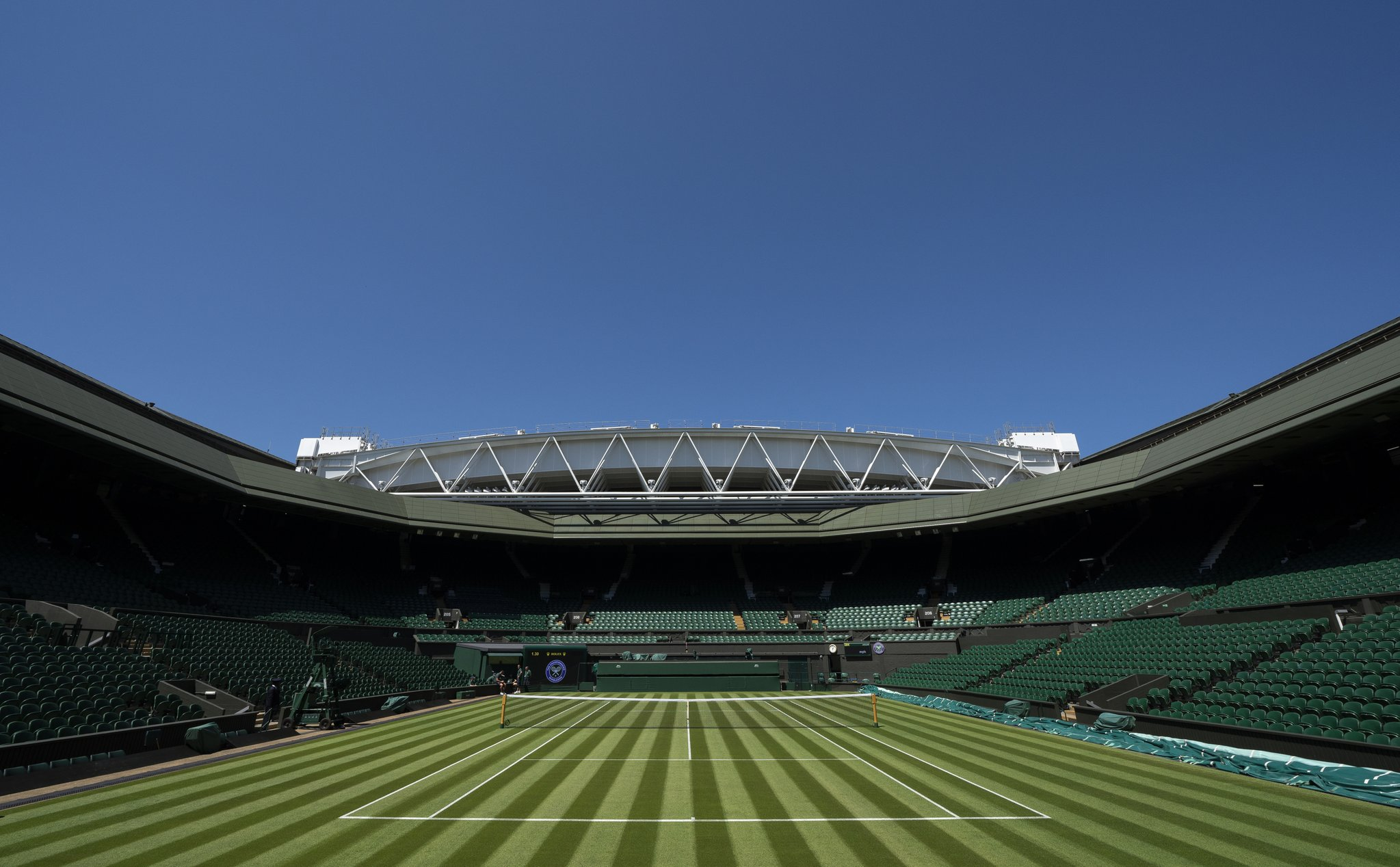 Photo of Wimbledon court with fresh greens