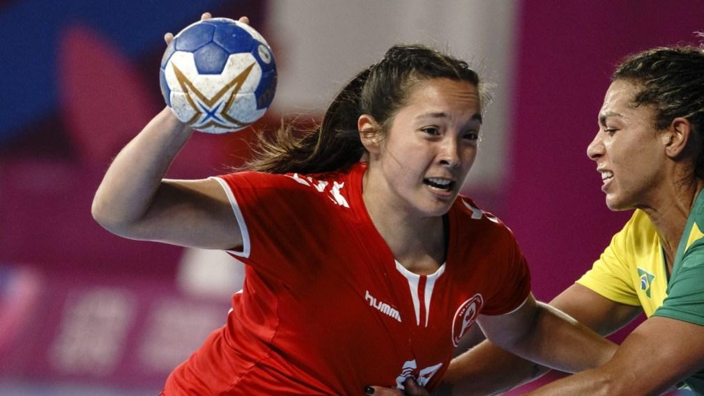 Yuki Landry drives to the net