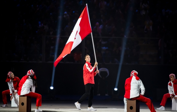 Scott Tupper waving flag