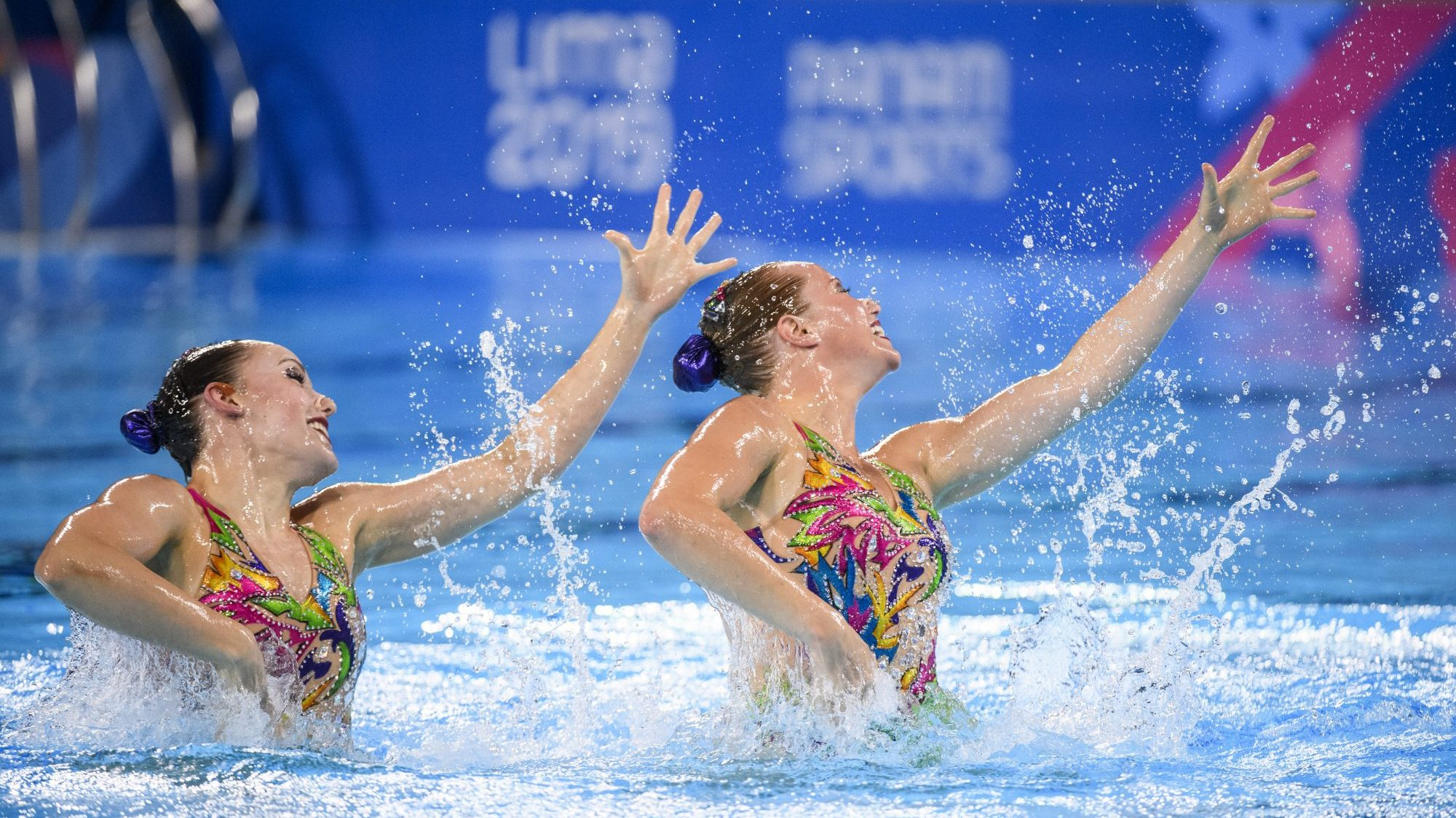 Jacqueline Simoneau and Claudia Holzner compete in the duet free routine at Lima 2019