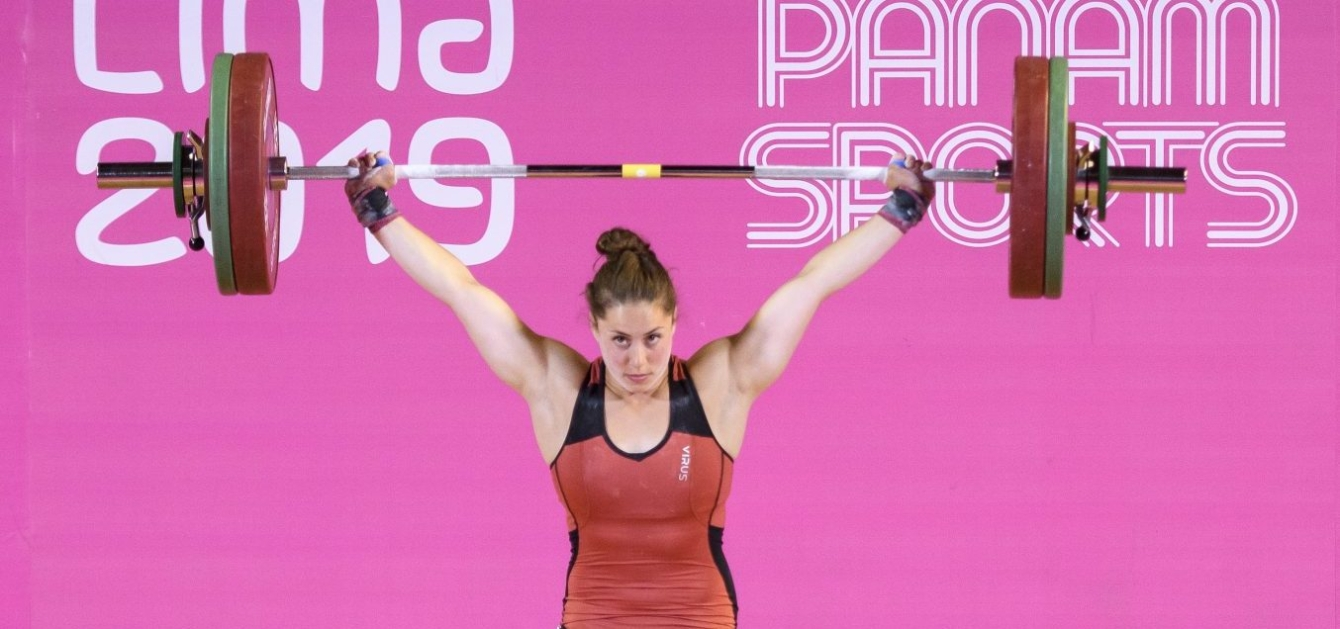 Maude Charron lifting weight