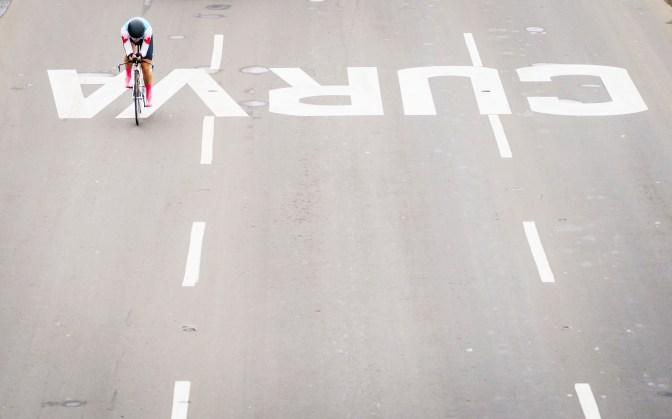 Miriam Brouwer biking