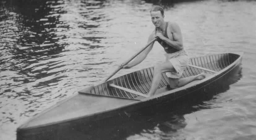 Roy Nurse in a canoe at Balmy Beach Canoe Club