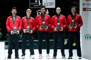 (L-R) Frank Dancevic, Denis Shapovalov, Felix Auger-Aliiassime, Brayden Schnur and Vasek Pospisil pose with their second place trophies from the Davis Cup Finals.