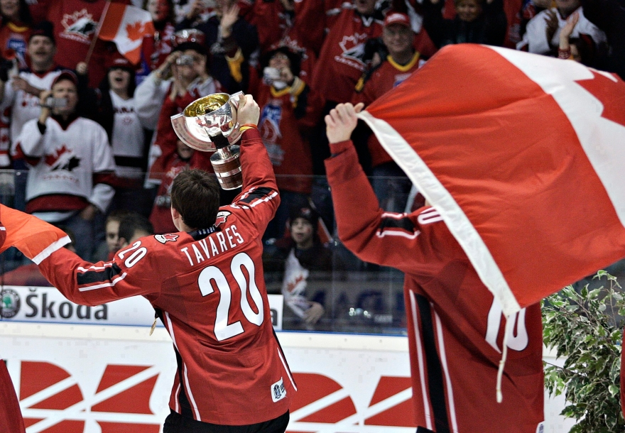 John Tavares and Steven Stamkos celebrate with flag