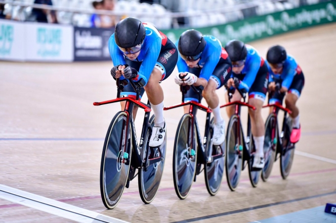 Team Canada's track cycling team competes in the women's team pursuit