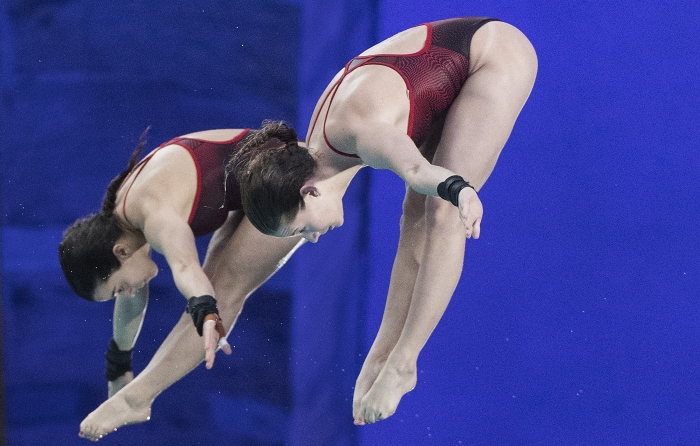 Meaghan Benfeito and Caeli McKay perform their synchro dive at the 2020 FINA World Series in Montreal