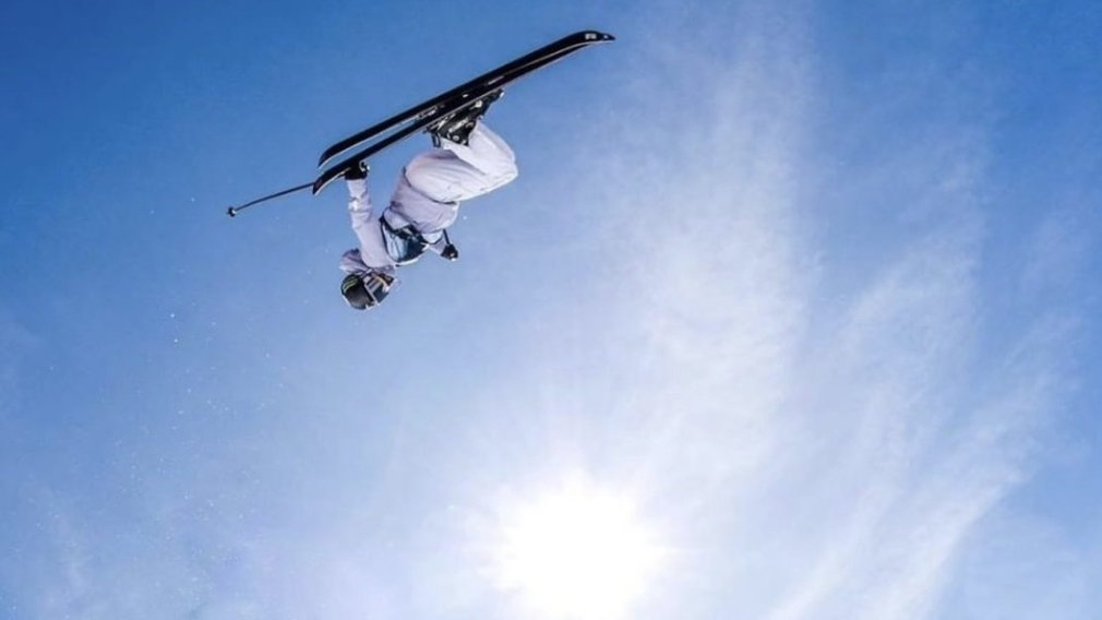Cassie Sharpe competes in the womens superpipe