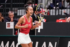 Leylah Annie Fernandez celebrates during a match.