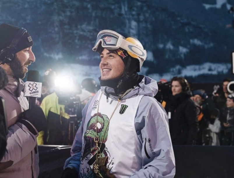 Mark McMorris being interviewed after winning gold