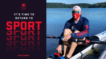 Photo of a rower wearing a mask with the words: It's time to return to sport