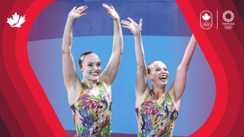 Artistic Swimmers waving