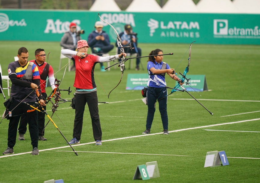Stephanie Barrett of Canada competes in the mixed recurve team at the Lima Pan American Games on Saturday, Aug. 10, 2019. THE CANADIAN PRESS/HO-COC, Dave Holland, *MANDATORY CREDIT*