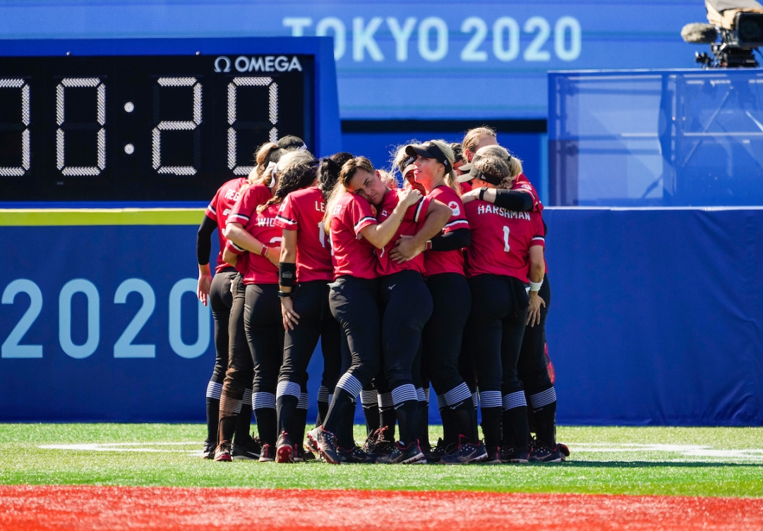 Canada celebrates after winning the bronze medal against Mexico