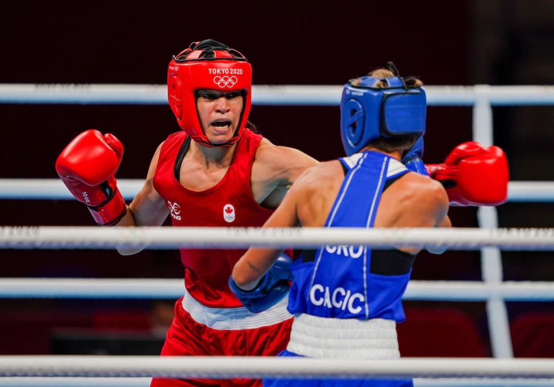 Canadian boxer Caroline Veyre fights at Tokyo 2020.