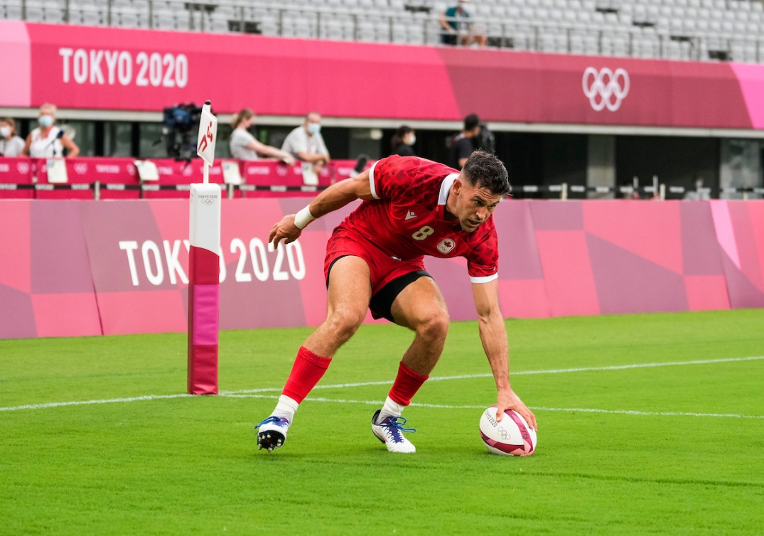 Justin Douglas touches down to score a try at Tokyo 2020