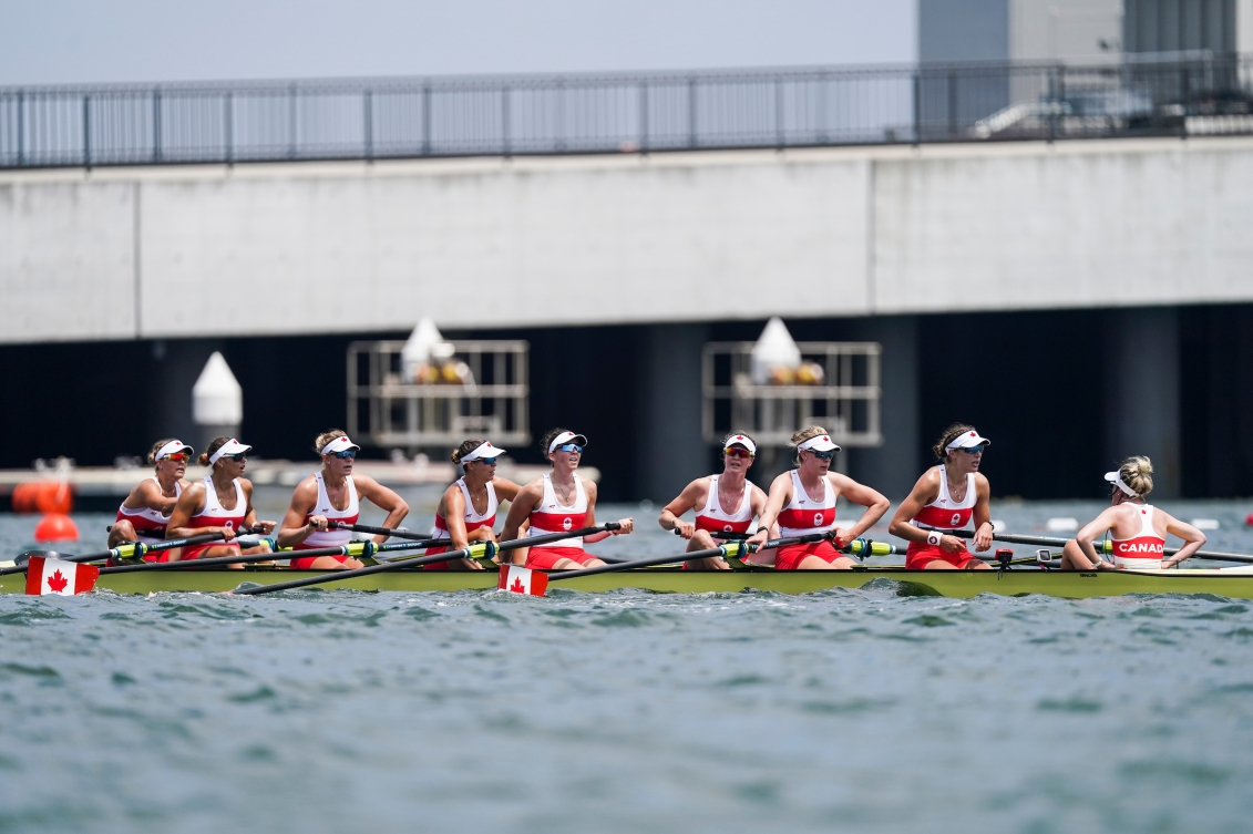 Women's eight boat at the end of a race
