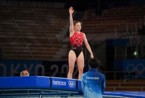 Rosie MacLennan competes at Tokyo 2020