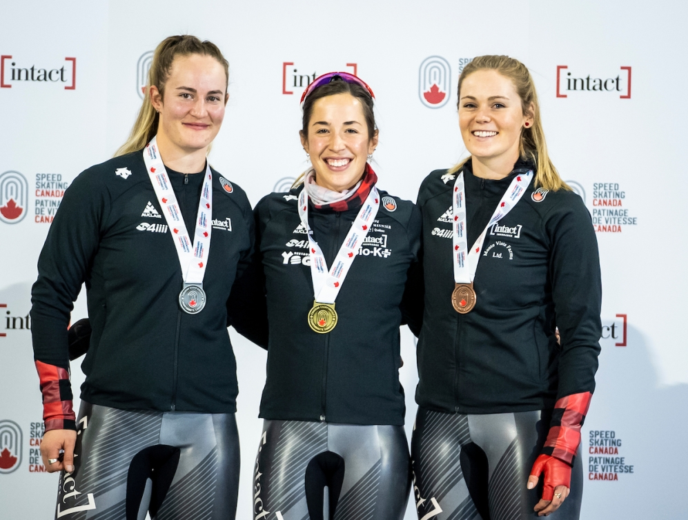 Valerie Maltais takes the gold in the women's 1000m during the long track speed skating Canadian Championships at the Olympic Oval in Calgary, Alberta on October 15, 2021. Kaylin Irvine takes home the silver medal and Maddison Pearman the bronze.(Photo: Dave Holland/Speed Skating Canada)