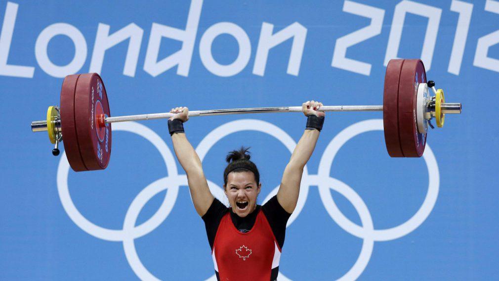 Christine Girard lors de compétition des moins de 63 kg aux Jeux olympiques de Londres, le 31 juillet 2012. (AP Photo/Hassan Ammar)