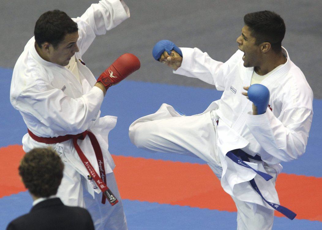 Shaun Dhillon et Angel Aponte lors des demi-finales des Jeux Pan Américains de Guadalajara.