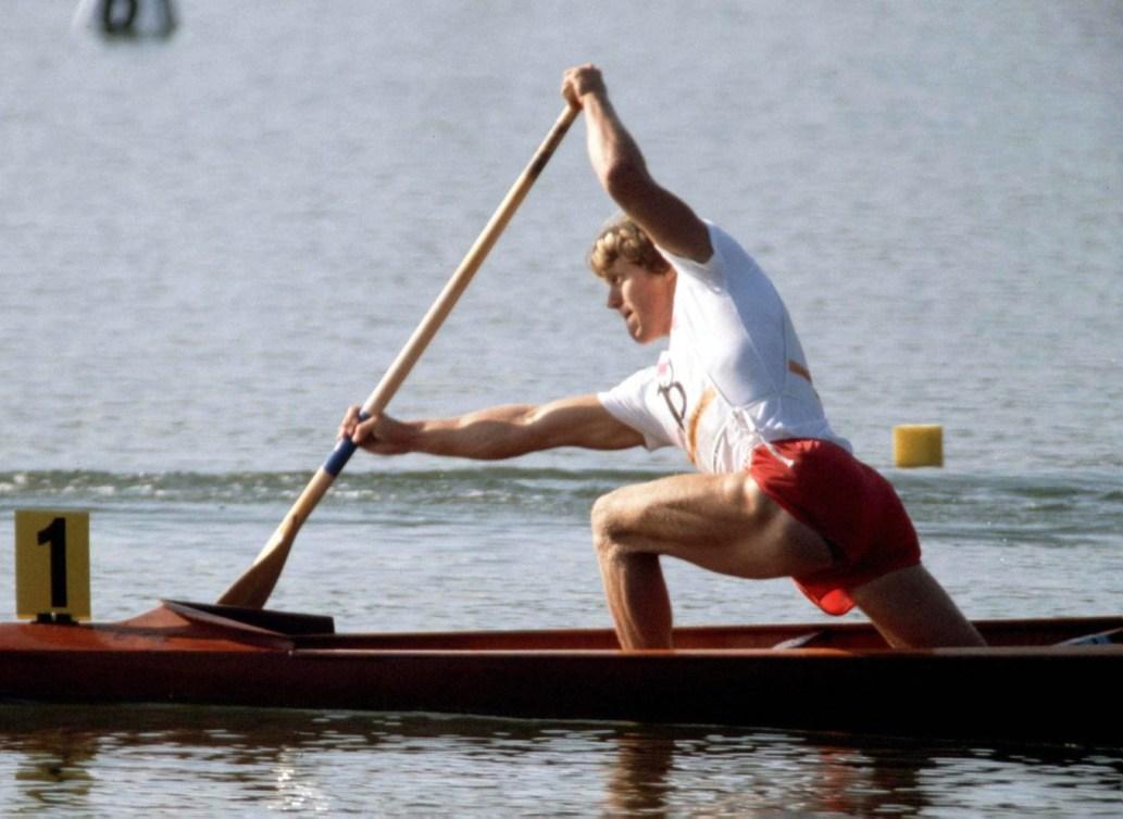 Un kayakiste canadien en action.