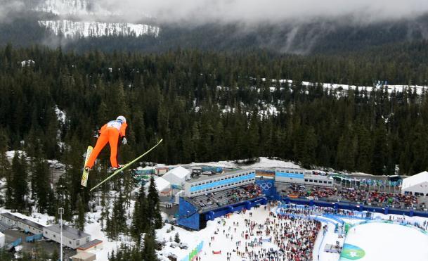 Jason Myslicki au saut à ski pendant l'épreuve du combiné nordique aux Jeux olympiques de Vancouver