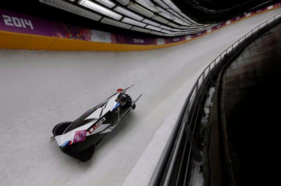 Équipe de bobsleigh en pleine action à Sochi