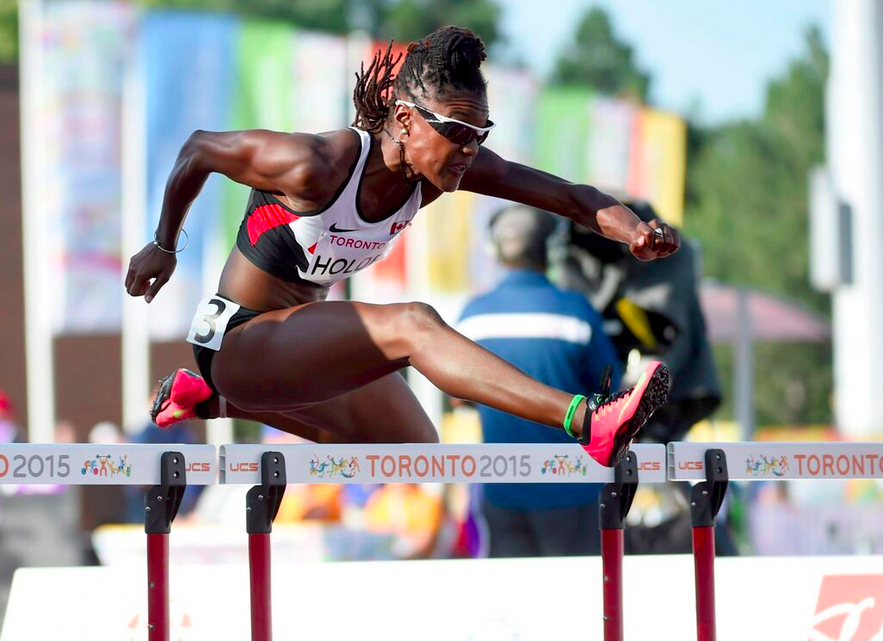 Nikkita Holder en finale du 100 m haies, le 21 juillet 2015.