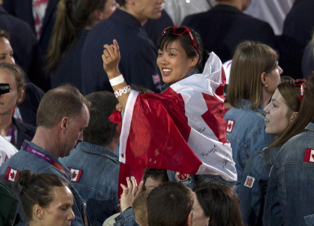 Carol Huynh pendant la cérémonie de clôture des Jeux de Londres le12 août 2012. Photo : THE CANADIAN PRESS/Frank Gunn