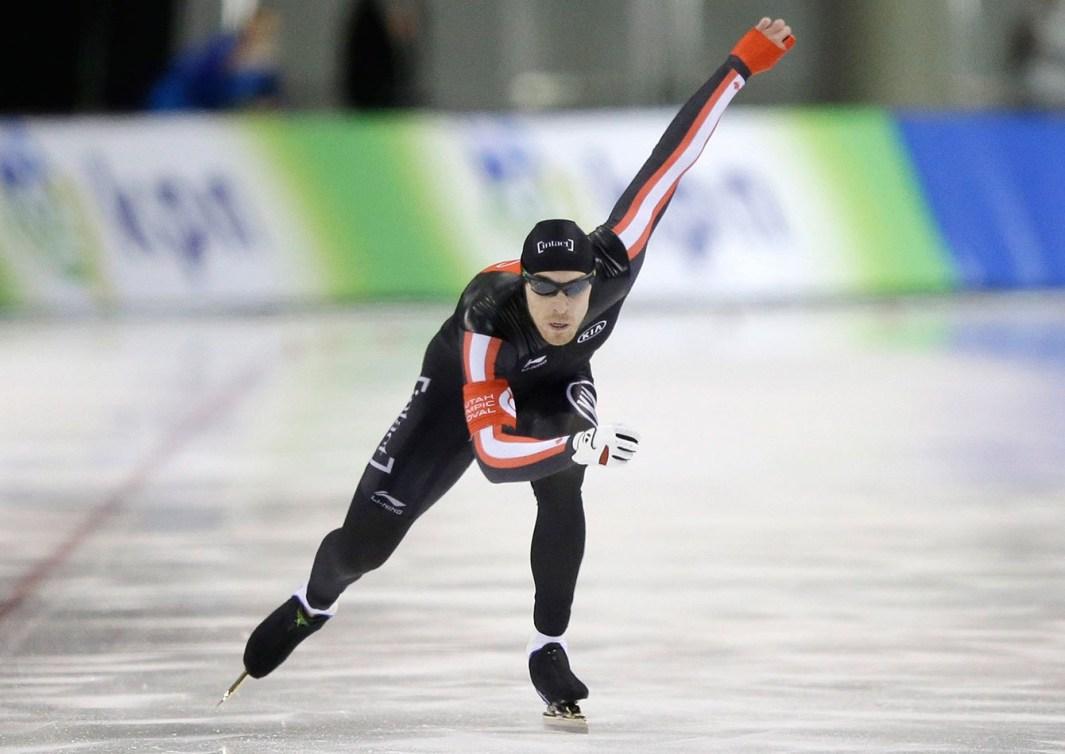 William Dutton au 500 m pendant la Coupe du monde de Salt Lake City le 22 novembre 2015.