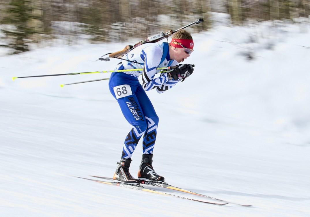 Ben Churchill, porte-drapeau du Canada de la cérémonie d'ouverture des Jeux olympiques de la jeunesse d'hiver de 2016 à Lillehammer. (Ross Voaklander)