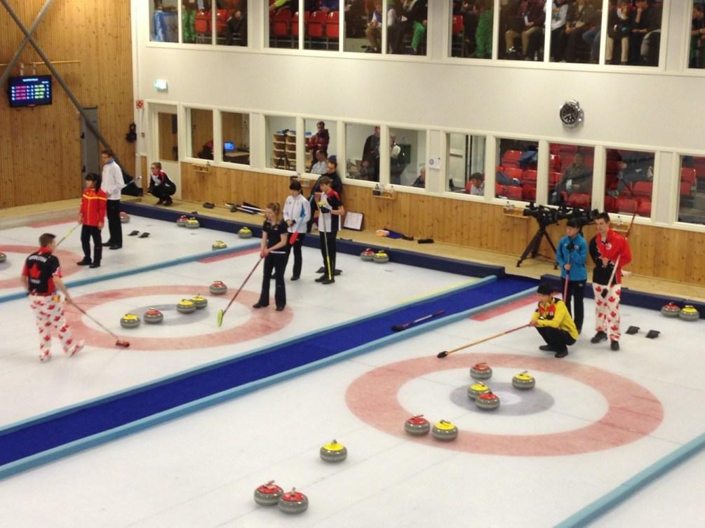 Curling double mixte