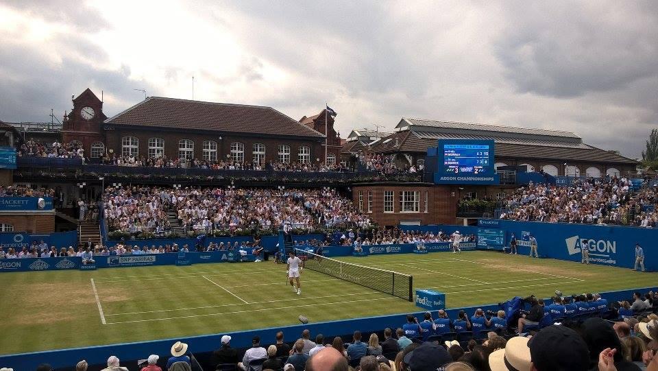 C'est sous un ciel typiquement londonien que s'est tenue la première finale sur gazon opposant Milos Raonic à Andy Murray, le 19 juin 2016. (Photo : courtoisie)