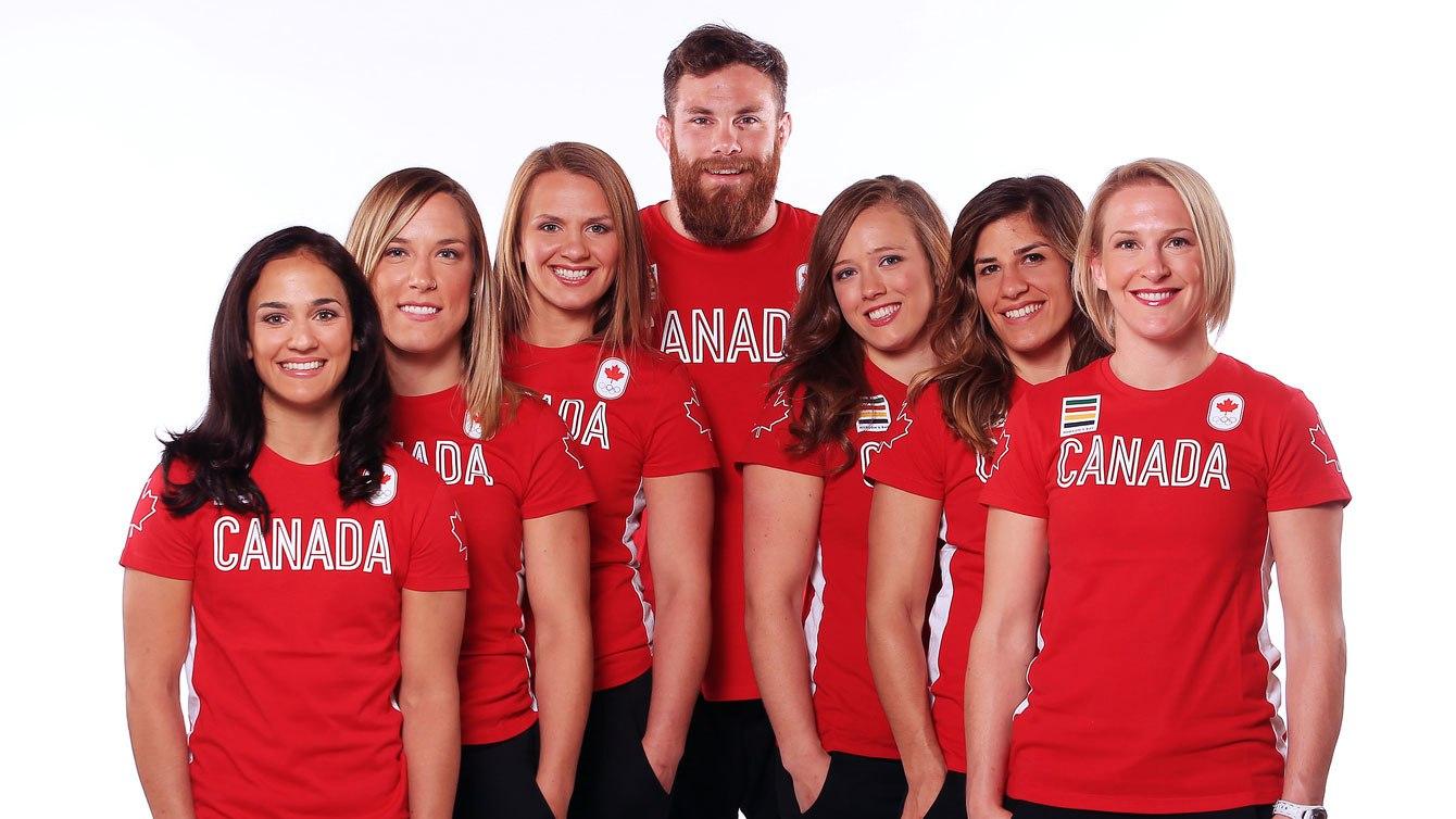 Pour ces sept lutteur, il s'agira de leur première participation aux Jeux olympiques. (G-D) Jasmine Mian, Danielle Lappage, Erica Wiebe, Korey Jarvis, Dorothy Yeats, Michelle Fazzari et Jillian Gallays.