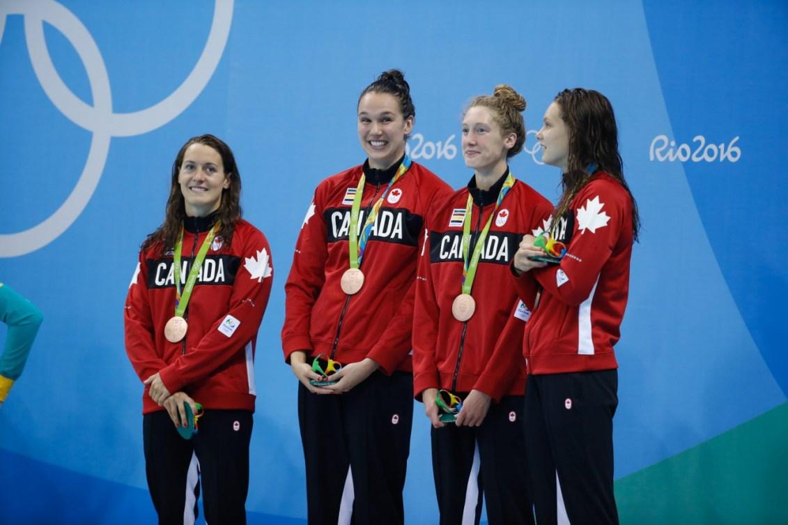 relais féminin 4×100 m style libre lors de la cérémonie des médailles de Rio 2016. 6 août 2016. Photo du COC/Mark Blinch