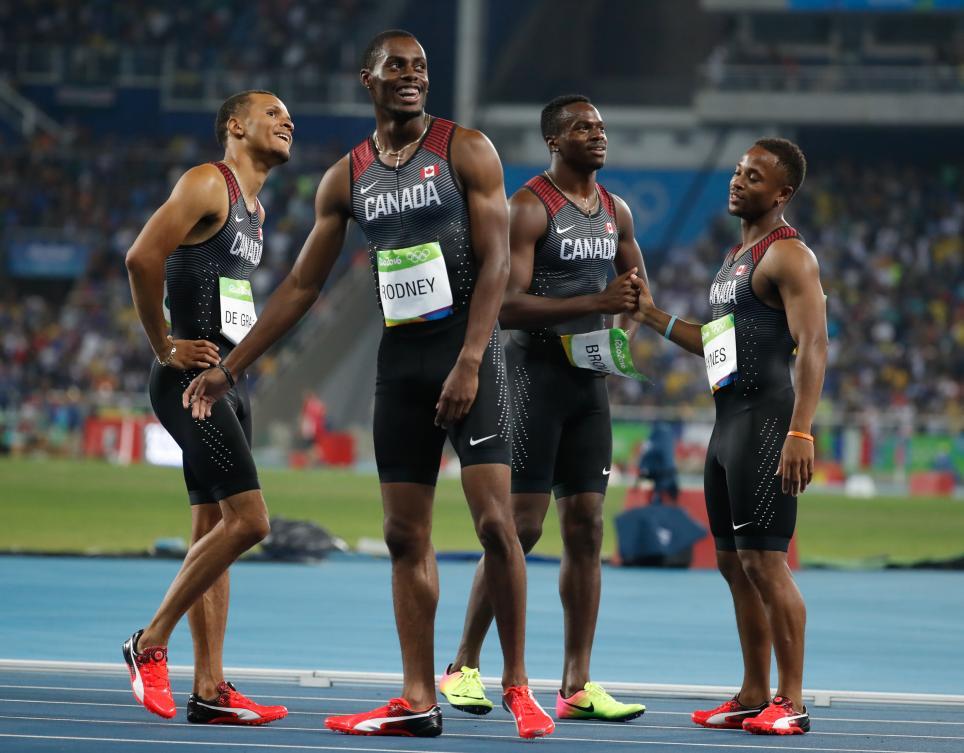 Les Canadiens décrochent le bronze olympique lors de la finale du relais 4x100 m au stade olympique à Rio de Janeiro, vendredi le 19 août 2016. (Photo : COC/Mark Blinch)