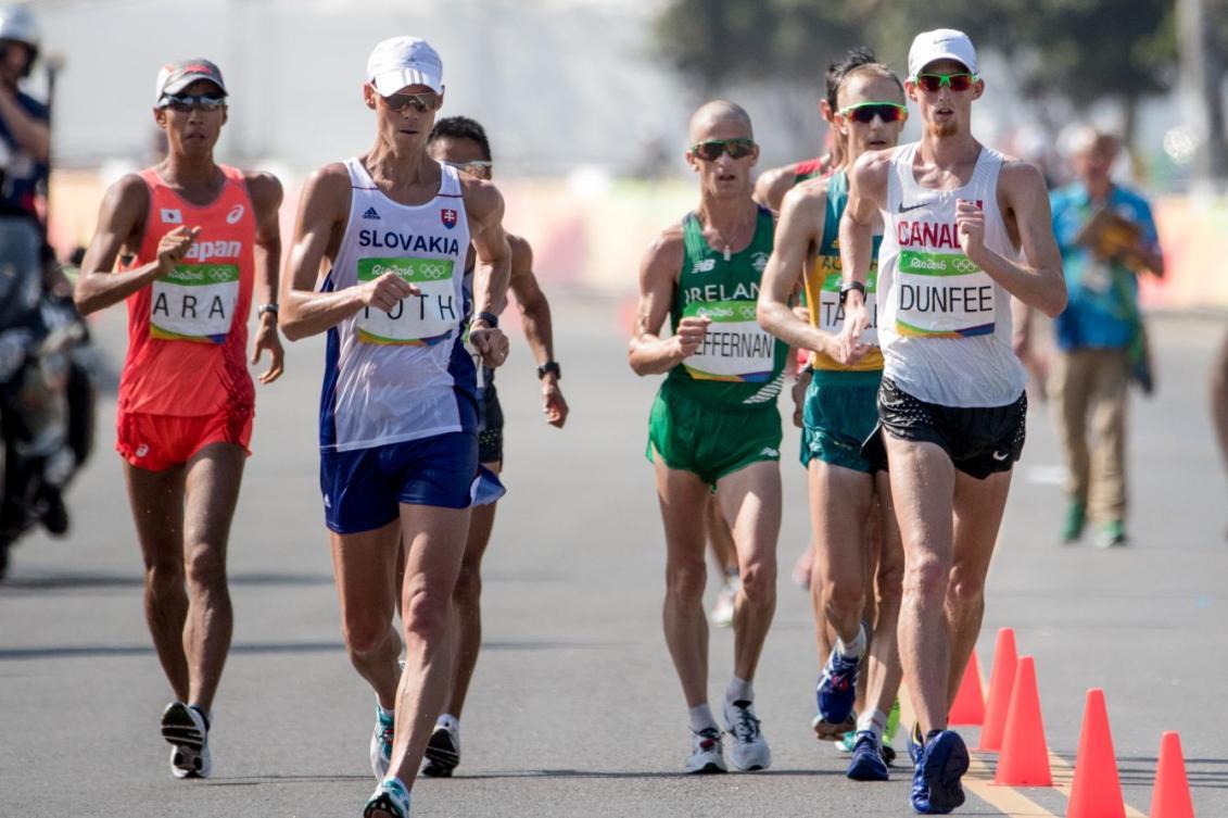 Evan Dunfee lors de l'épreuve du 50 km marche à Rio de Janeiro, le 19 août 2016. (COC/David Jackson)