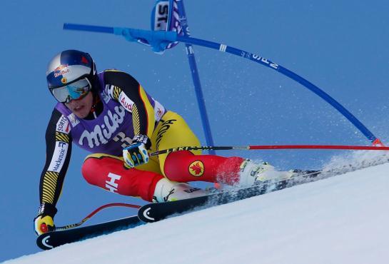 Erik Guay lors de l'épreuve de Super Gà la finale du circuit de la Coupe du monde, le 17 mars 2016 à St. Moritz, en Suisse. (AP Photo/Shin Tanaka)